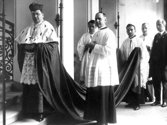 Jusztinián_Cardinal_Serédi,_archbishop_of_Esztergom