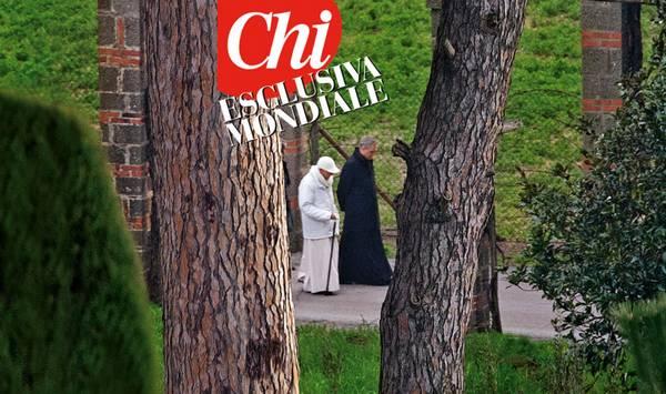 Pierwsze zdjęcie Benedykta XVI już jako papieża emeryta (fot. ANSA).