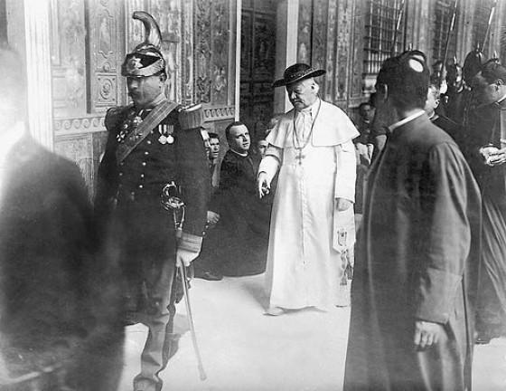 Papież Pius X w symarze.