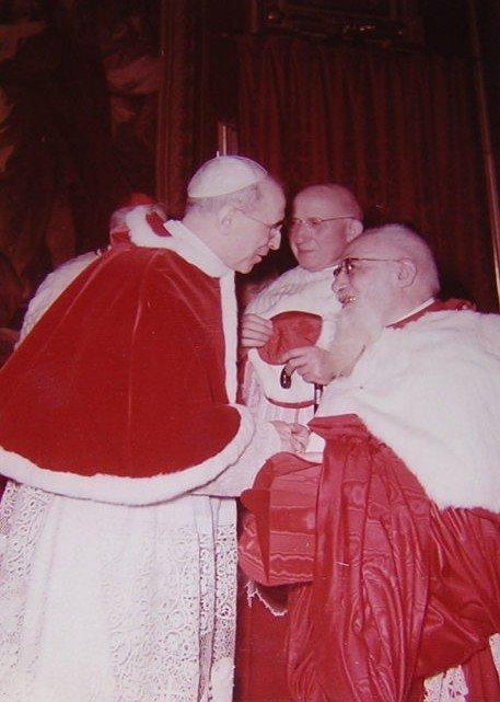 Patriarcha Antiochii, Kard. Tappouni, witający się z papieżem Piusem XII.