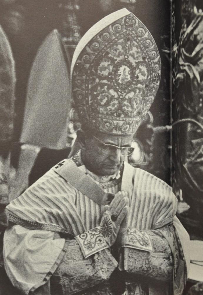 papal vestments on paulus