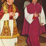 Papieskie pompony