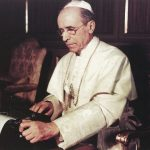 Pius XII przy pracy