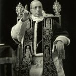 <!--:pl-->Jesteś papieżem – wyglądaj jak papież!<!--:--><!--:en-->If you are a pope, look like a pope!<!--:-->